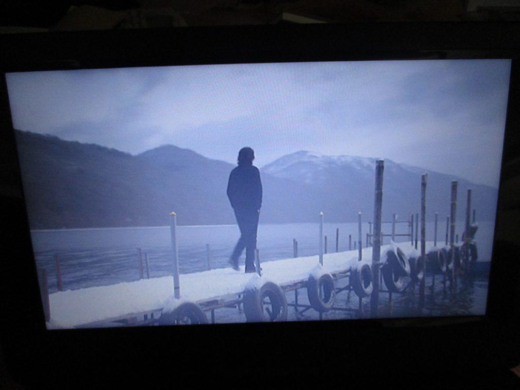 支笏湖 白い影